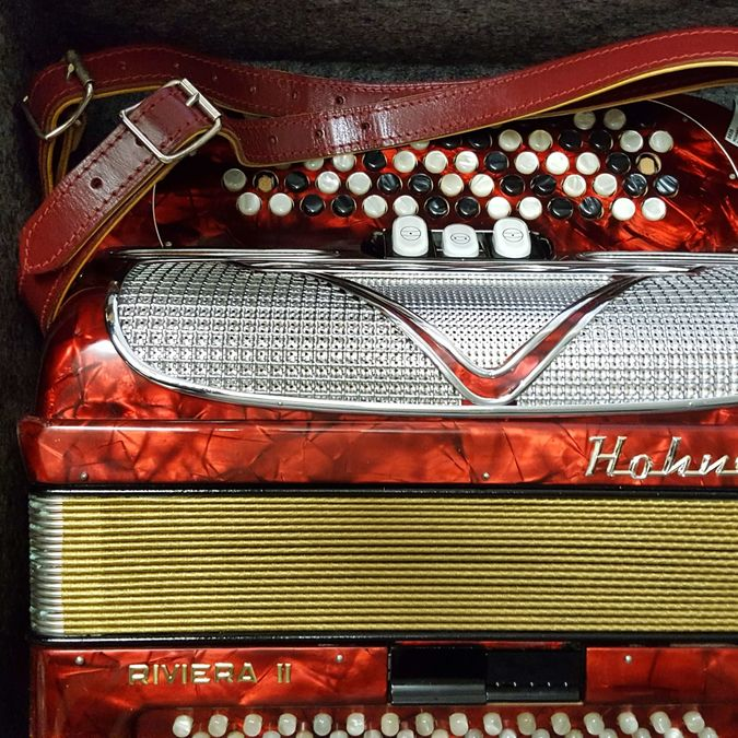 Hohner Riviera II, Flachgriff, Occasion mit Koffer